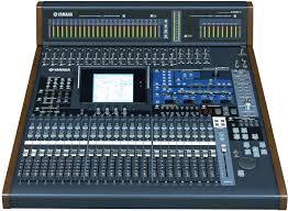 YAMAHA 02R96 es una mesa de mezclas digital de 56 canales