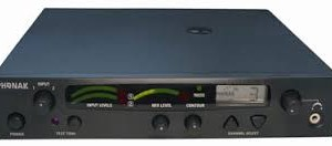 Phonak TX 300V es un transmisor VHF monitorado.